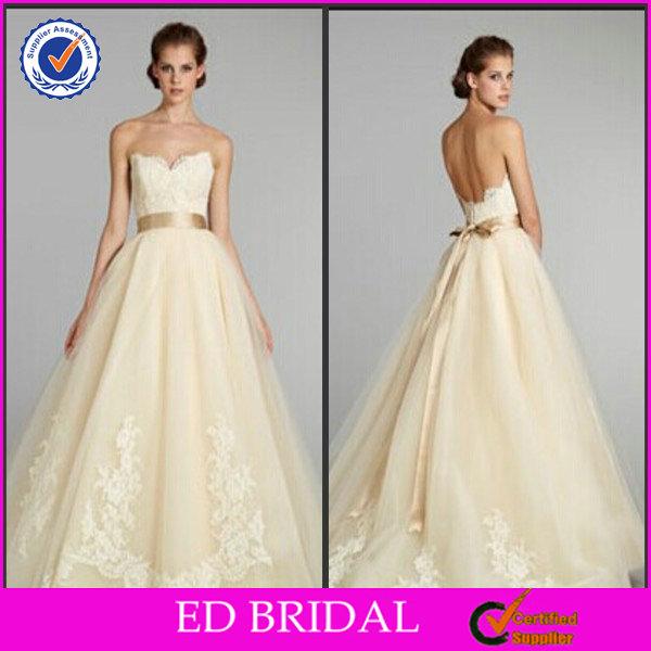 2015 New Fashion Ball Gown Strapless Sweetheart Pleated Lace Appliqued White And Gold Wedding Dress