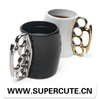 New Arrived Customized logo priniting Fisticup ceramic souvenir mug