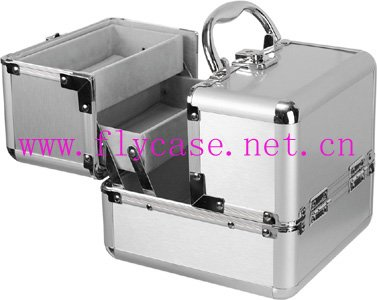 2017 business aluminum cosmetic case with number lock