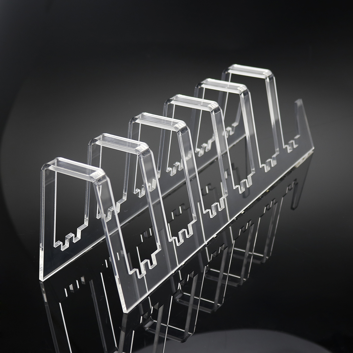 Custom transparent acrylic plate display stand for kitchen