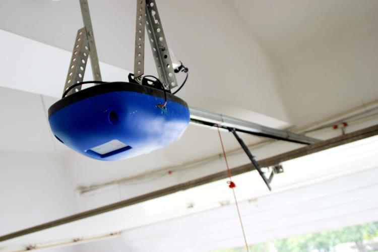 overhead battery operated garage door opener