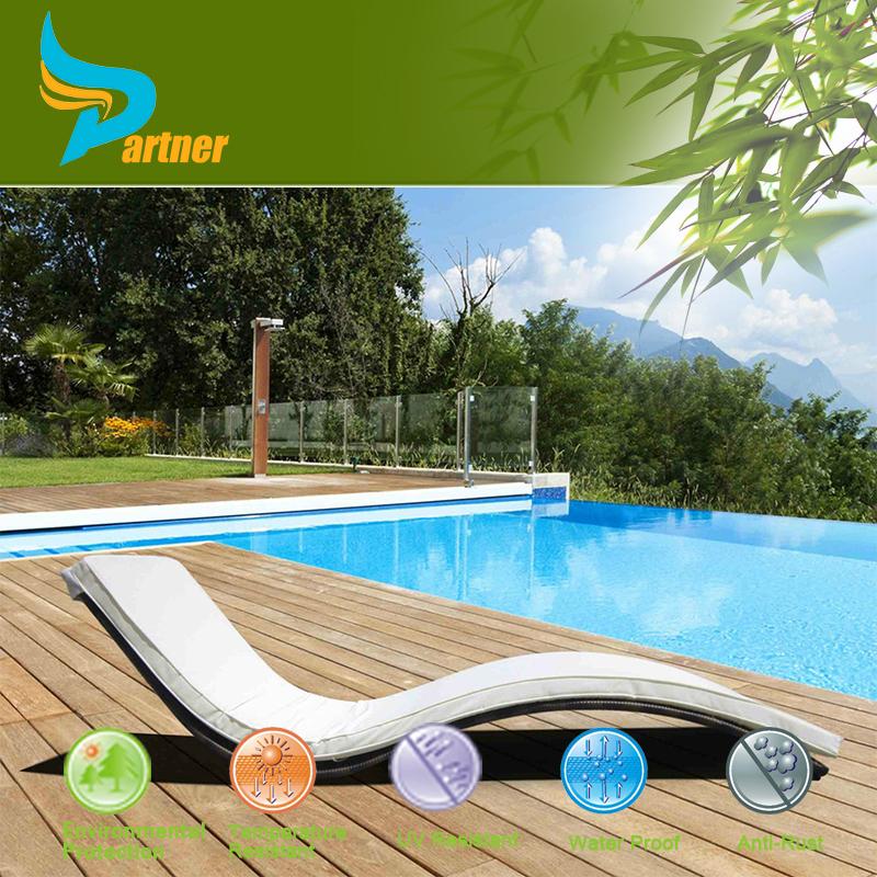 Beach rattan chaise lounge swimming pool sun lounger for Swimming pool loungers