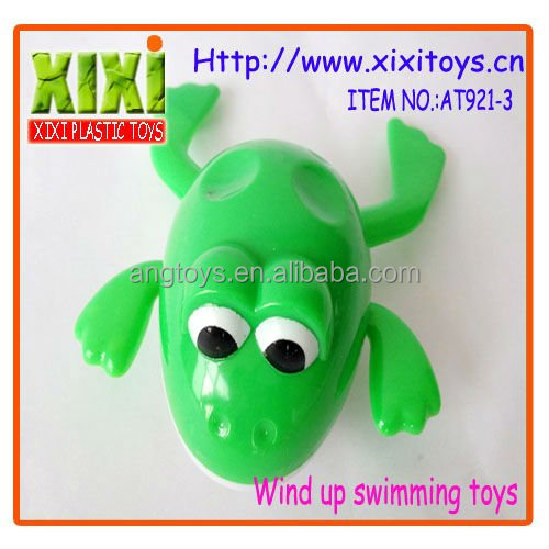 14.3Cm funny wind up swimming toy plastic frogs