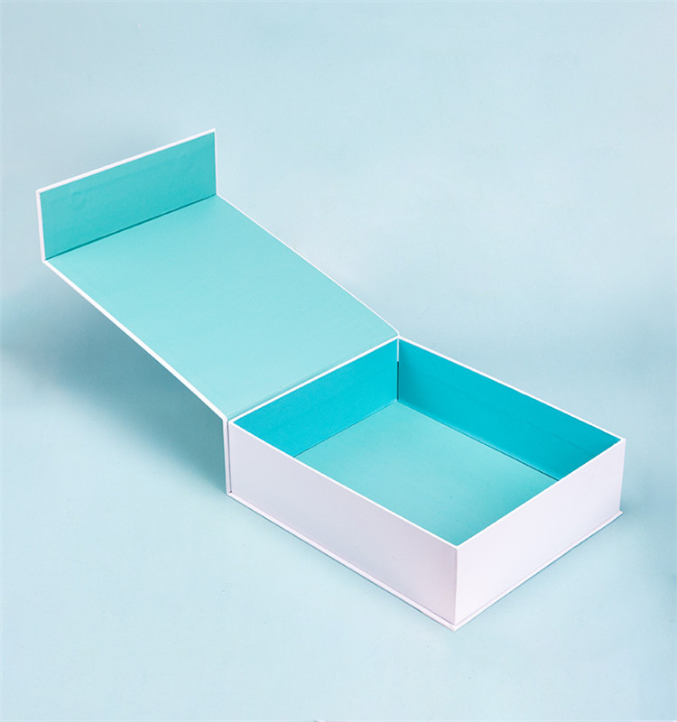 Custom Plain White Magnetic Closure Gift Paper Box for Cosmetic Sets Skin Care Set Mobile Phone Electoronics