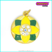 Wholesale Jewelry Fashion Jewelry Zinc alloy yellow and green football charm