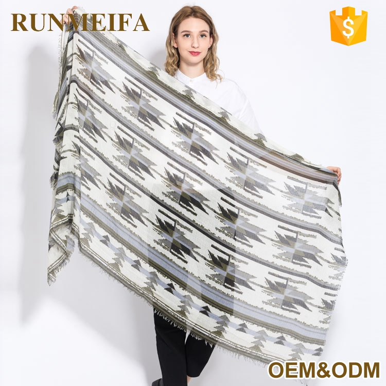 Excellent Quality Print Viscose Scarf Heated Scarf With Low Price Made In China