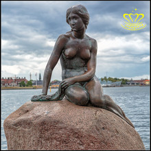 Custom statue modern characters European mermaid copper sculpture Belle statue Water scenic area sculpture
