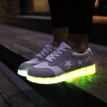 Low MOQ Paris hot sales Led ladies khussa shoes