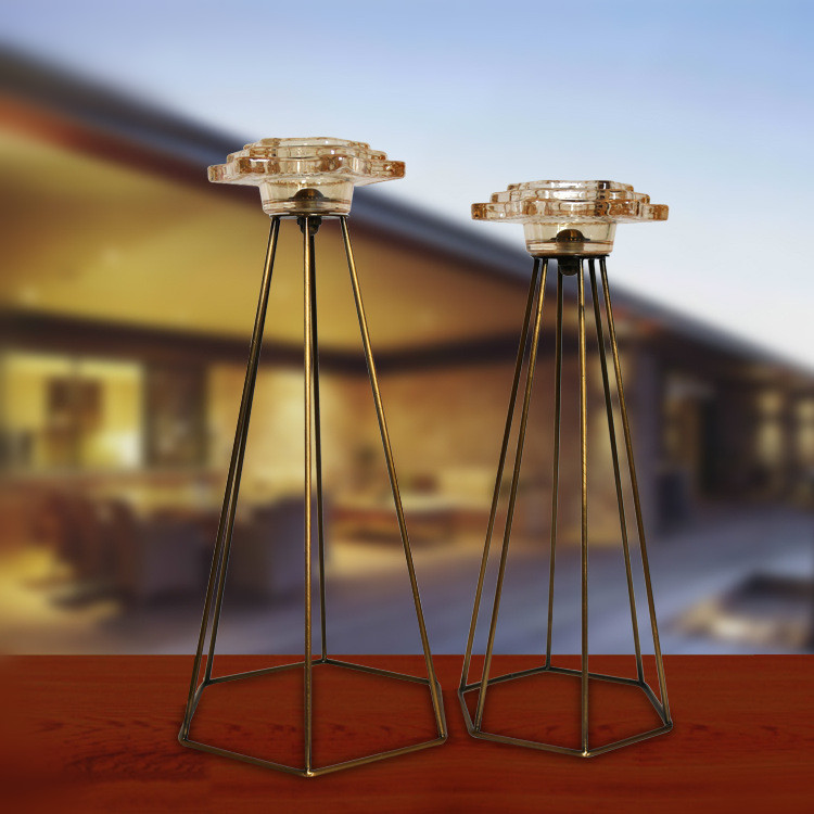 Factory direct sale hotel decor cheap metal glass candle holders for party