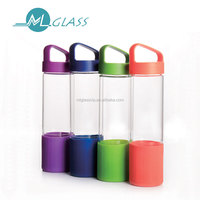Colorful borosilicate glass water bottle travel bottle with plastic lid silicone sleeve handmade drinking ware 500ml