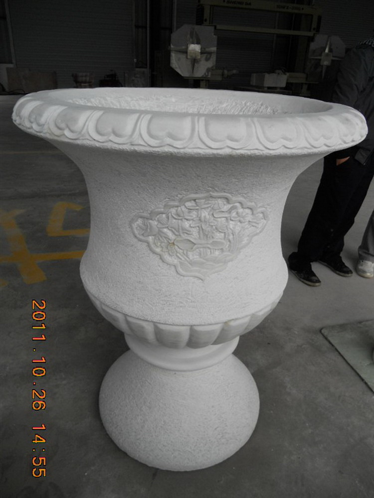China natural best sell decorative marble lion statues