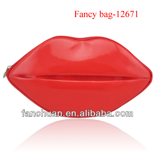 fashion red lip shaped cosmetic bag