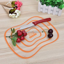 New hotsale different styles plastic pizza cutting board
