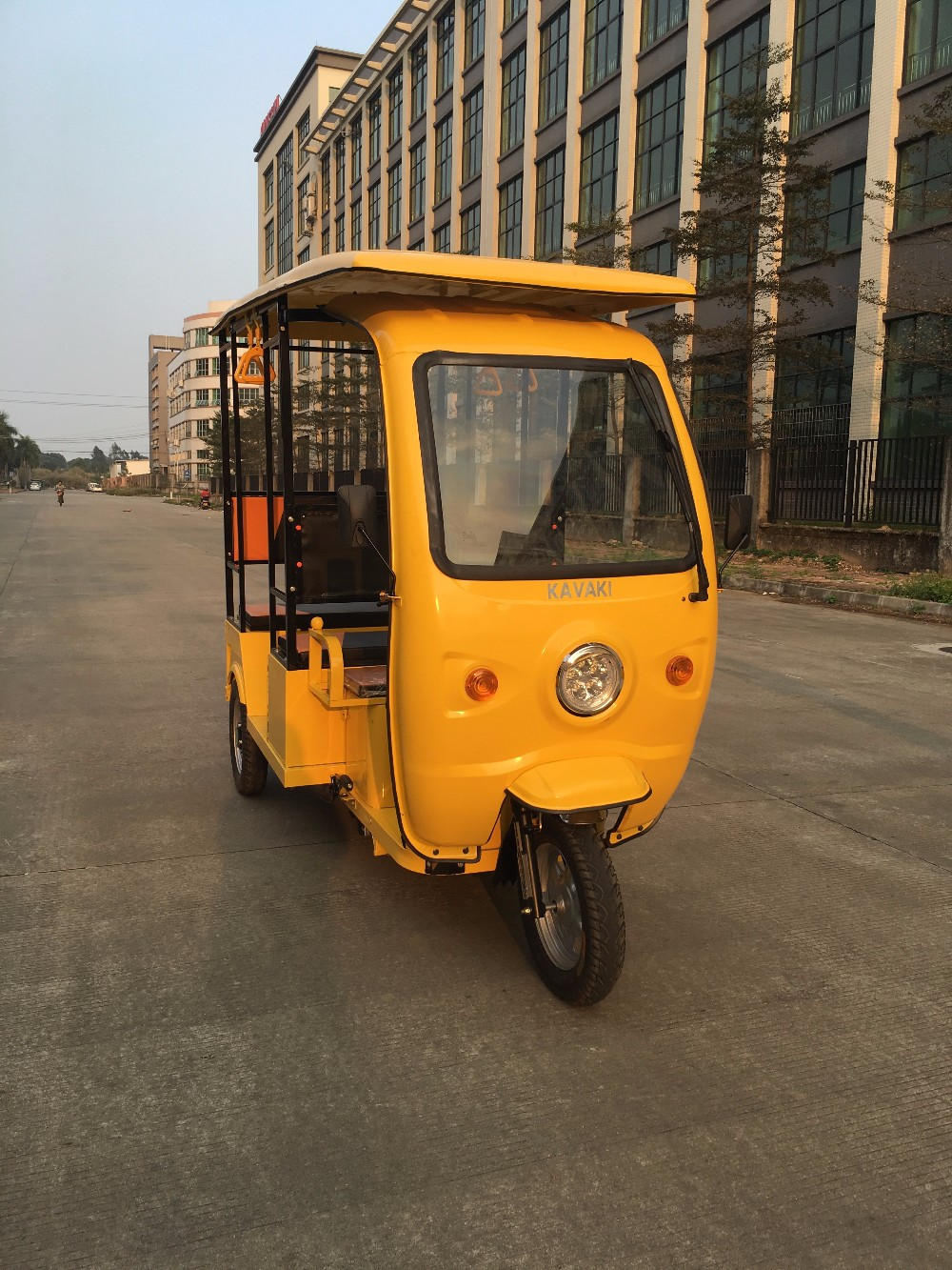 Customized New Tuk Tuk Rickshaw Electric Power Tricycle