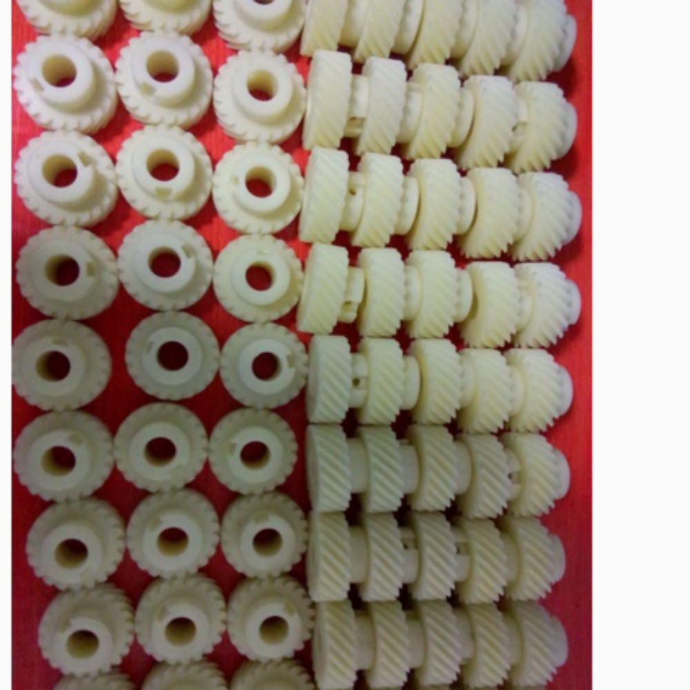 Nylon gear for sale of various sizes and colors, small nylon gears