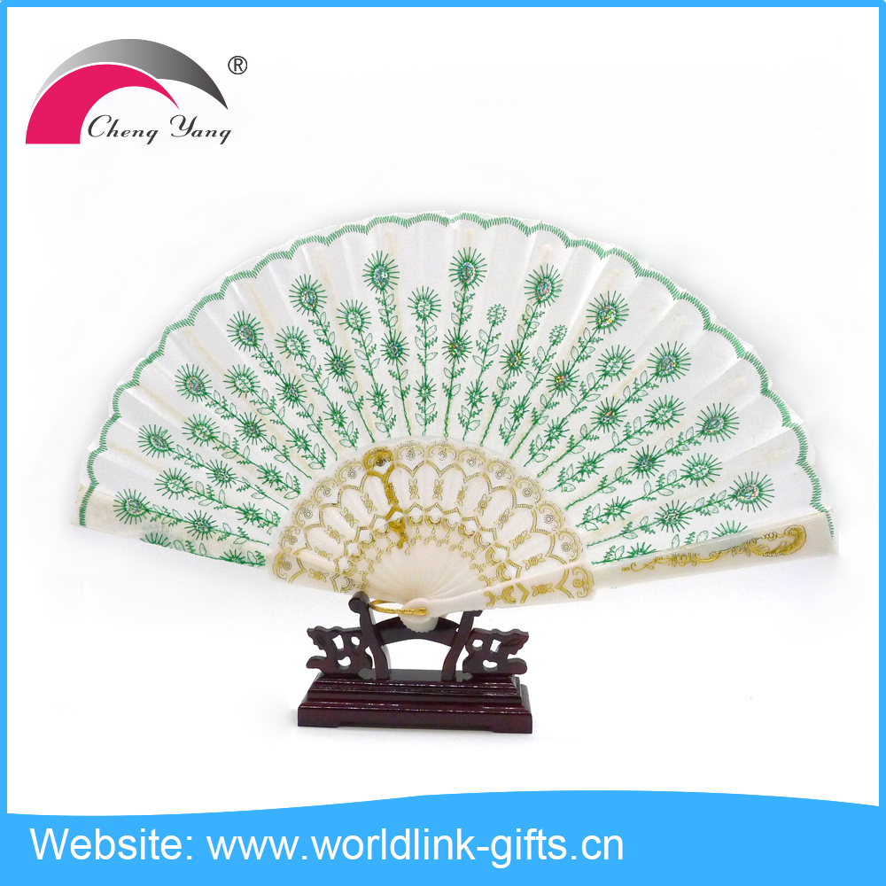 Vintage plastic handle white fabric peacock hand fan for wedding PCF2301