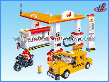 2013 Hot sale 282pcs Building Blocks Gas station for kids
