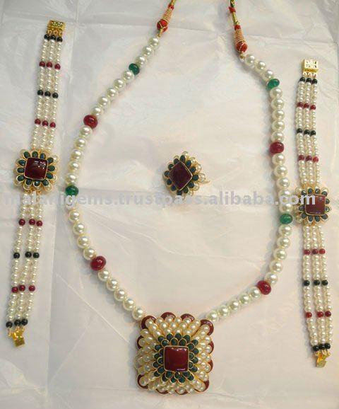 Pacchi Stones Pendant Necklace Set Indian Jewellery