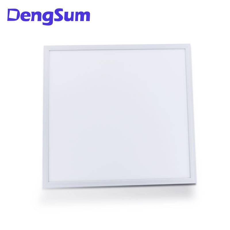 AC100-277V UL 595 * 595 * 8 36W high luminous efficiency 100LM/W lumen per watt LED panel lamp spot factory direct sales