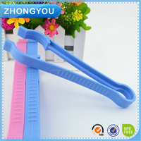 OEM avaliable Factory Price High Quality Baby Bottle Clip holder Plastic Clip