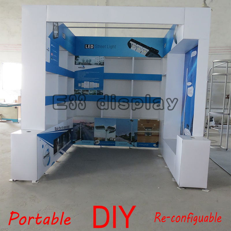 Versatile easy and quick set-up trade show modular product display