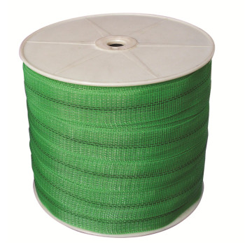 plastic fence with 100% HDPE about green polytape reel