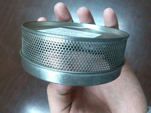 Mesh round tin with window on lid