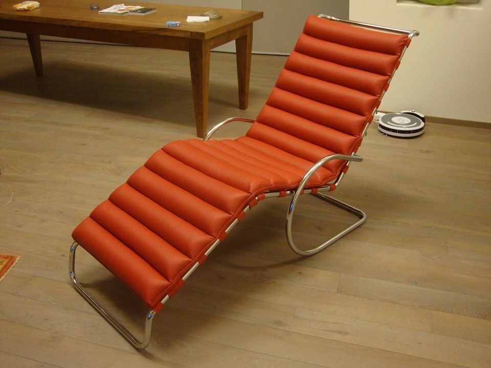 Chaise Longue design Mies Van der Rohe
