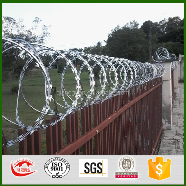 Peru pvc coated barbed wire/razor barbed types of wire fences /concertina bto 22