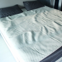 polyester quilted white bedspread for home use