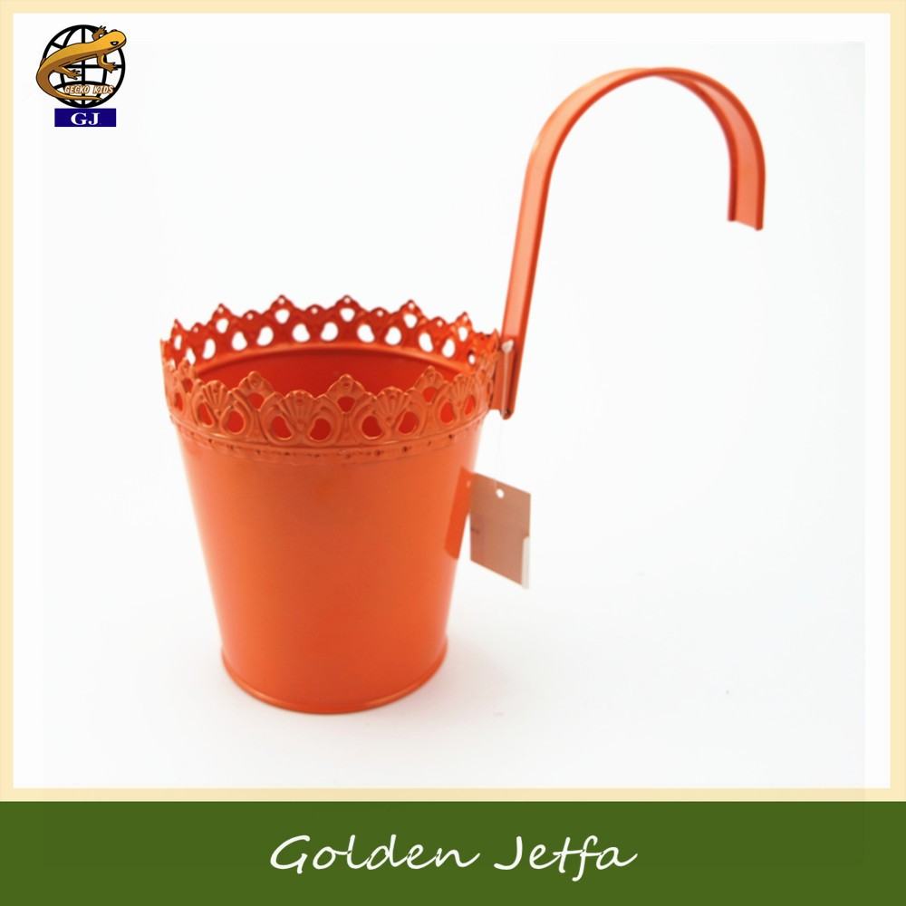hollow out metal hanging flower planter pot for balcony decor