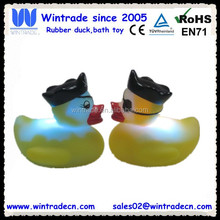 LED pvc toy bath pirate duck with light