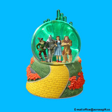 Polyresin Emerald City Wizard of Oz Lighted Green Water Globe
