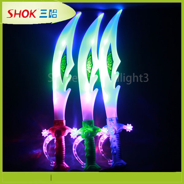 new product glowing sword flashing sword led plastic cutlery