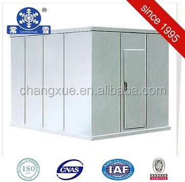 Cold storage room for meat with refrigeration compressor