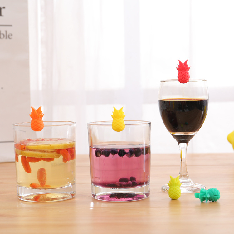 2019 Stylish Design Set of 6 Fruit Shape Pineapple Silicone Markers Wine Glass Charms