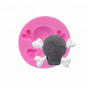 2018Hot Sale Delicate 3D Skeleton Head Shape Special Gifts Baking Silicone Fondant Mold Sugar DIY Silicone Tool