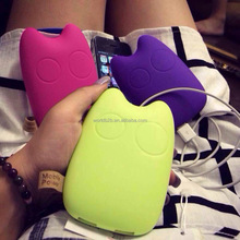 In store funny shape 2600 mAh cartoon power bank for iphone 6s 64gb with giftbox