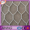 Alibaba Hexagonal wire mesh & Chicken coop wire netting manufacturer
