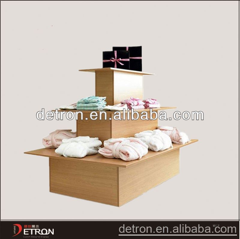 Custom Design Fashion clothing display table