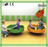 Updated Newly designed platic toys for kids, kindergarten toys, spinning top
