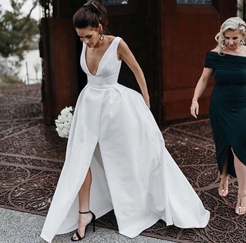 Elegant Satin Beach Casual Wedding Dress Bridal Party Dresses With Sexy Deep V Neck Modern Split 2019
