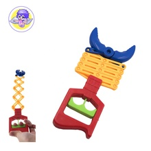 funny solid colour telescopic clip claw grabber toy for sale