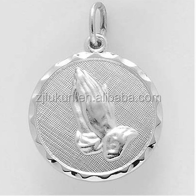 Hot Sale Serenity Prayer Hands Charm Religious Prayer Charm