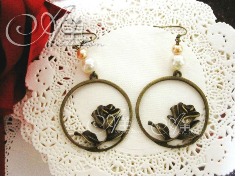 Vintage Zakka Circle Rose Earrings