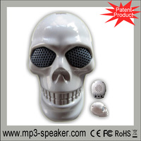 hot sale portable laptop mini skull mp4 speaker factory
