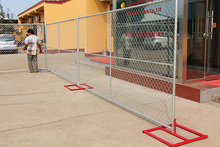 Portable chain link fence panels / powder coated metal temporary fencing