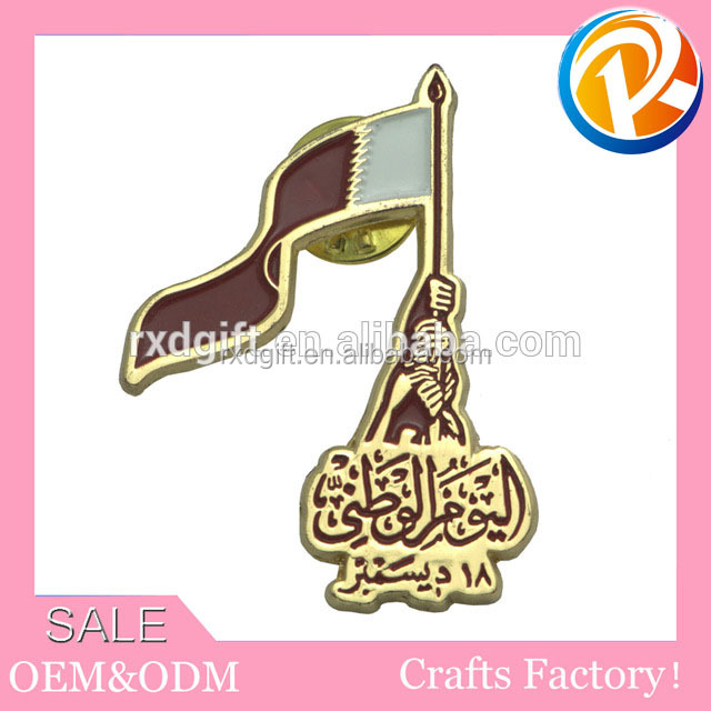 Promotional custom metal hollow out king badge