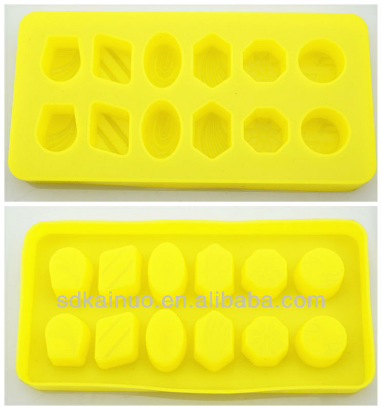 various shaped non stick silicone moldes dos doces