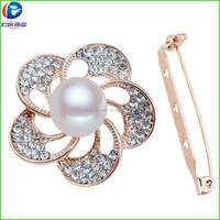 Rose gold alloy with crystal strass and big pearl brooch for wedding
